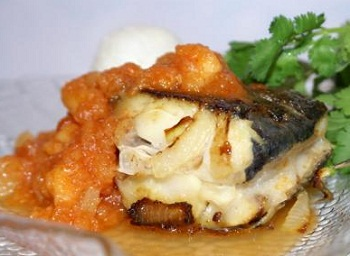 Белая рыба с фруктовым соусом