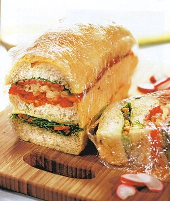 Бутерброд по-итальянски с салями и сыром