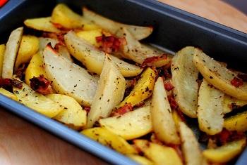 Запеченный картофель с ароматом базилика