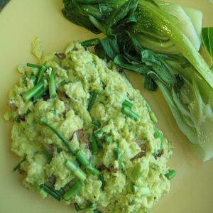 Зеленая икра с яйцом