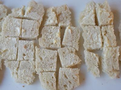 Анчоусы с чесночным соусом