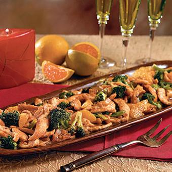 Новогодний салат с брокколи и курятиной