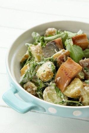 Салат из сельди, картофеля и кресс-салата