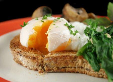 Как быстро приготовить яйца-пашот