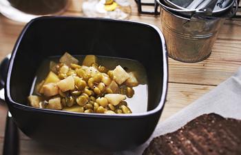 Суп с зеленым горошком и курятиной