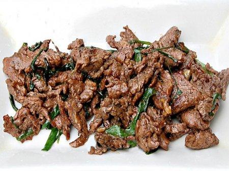 Мясо по-китайски с зеленым луком