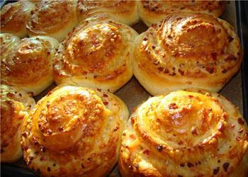 Вкусные сырные булочки