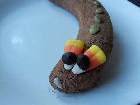 Банановые змейки: 3 варианта оформления