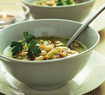 Фасолевый суп с сушеным мясом