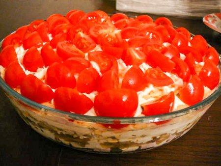 Cлоеный салат с грибами «Красная Шапочка»
