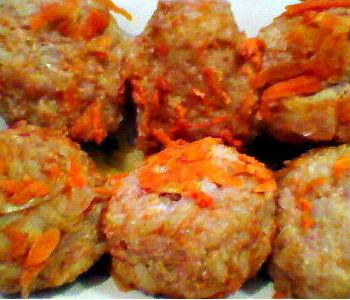 Рисовые котлетки с соусом