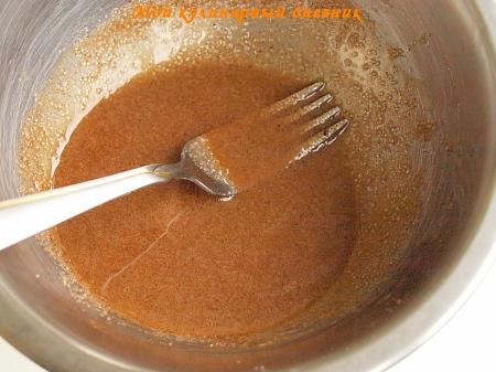 Кекс с имбирем и сахарно-коричной крошкой
