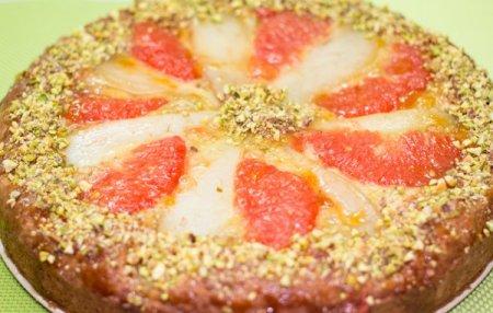 Пирог с грушей и грейпфрутом