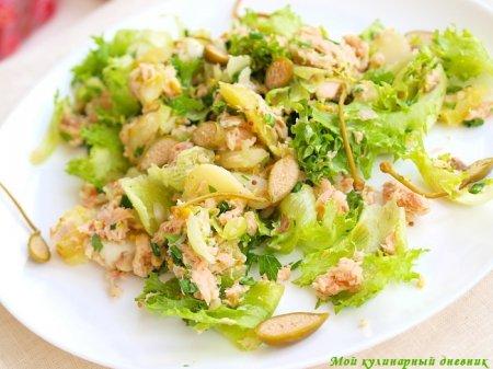 Картофельный салат с копченой рыбой и каперсами