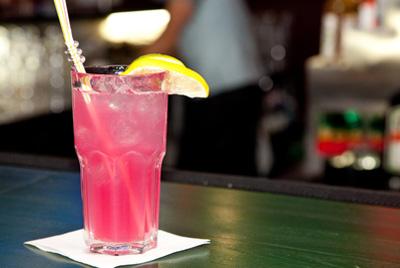 Диетические алкогольные коктейли приводят к быстрому опьянению