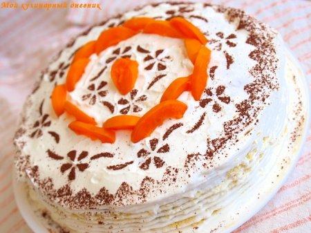 Ванильно-шоколадный торт с абрикосами и сливочным кремом