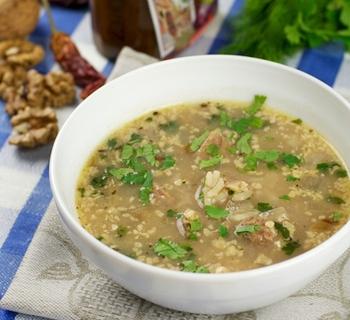 Суп харчо из говядины с грецкими орехами