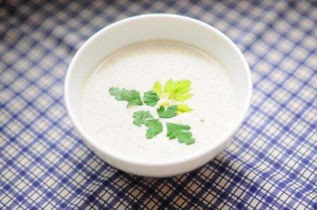 Сырный крем-суп с грибами и сельдереем