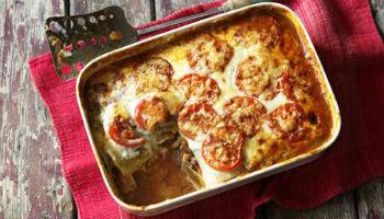 Лазанья с курицей и помидорами