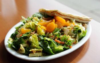 Китайский салат с курицей и арахисом