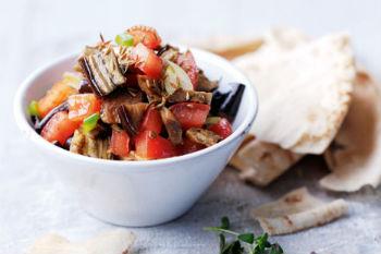 Грузинский салат курицей и баклажанами