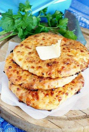 Сырные лепешки в духовке