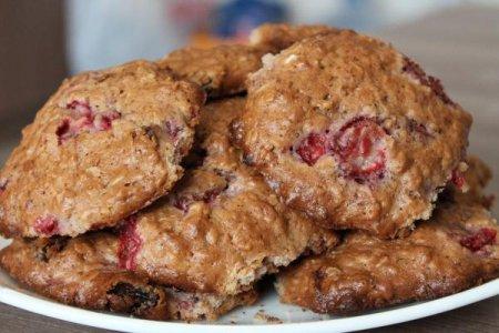 Овсяные печенья с клубникой