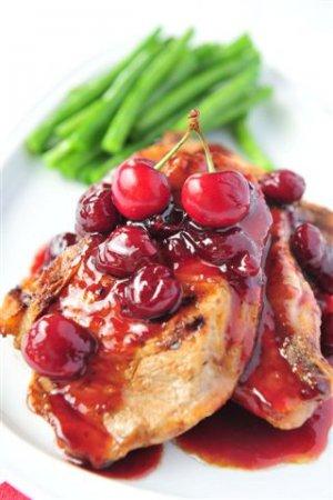 Мясо с вишневым соусом