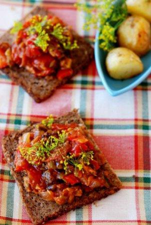 Икра кабачковая с красным перцем