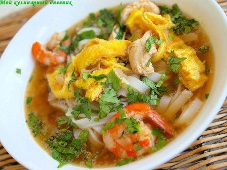 Куриный суп с креветками