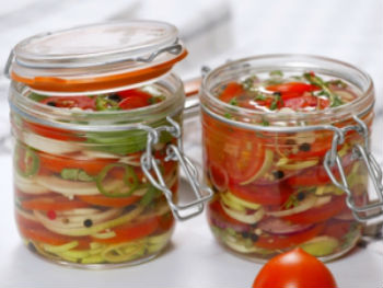 Заготовка на зиму: салаты из помидоров