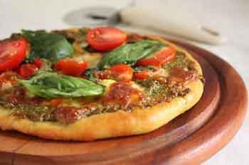Вкусное дрожжевое тесто для пиццы