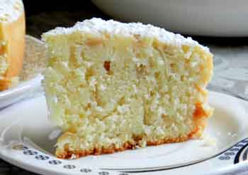 Пирог с изюмом в мультиварке