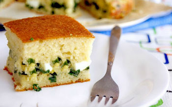 Пирог с рисом и яйцом в мультиварке