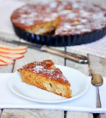 Рецепт шарлотки с яблоком и медом