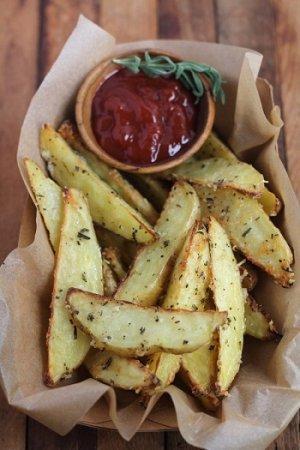 Домашний картофель фри с сыром пармезан
