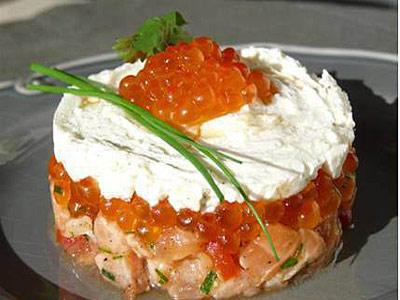 Тартар из сыра и лосося