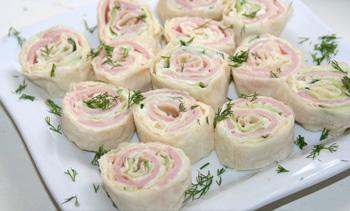 Бутерброды из лаваша, сыра и ветчины