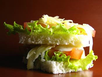 Бутерброды из листьев салата