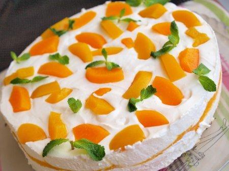 Персиковый торт с муссом из шампанского