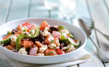 Греческий салат по-домашнему