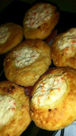 Кабачковые лепешки с начинкой из сливочного сыра и болгарского перца