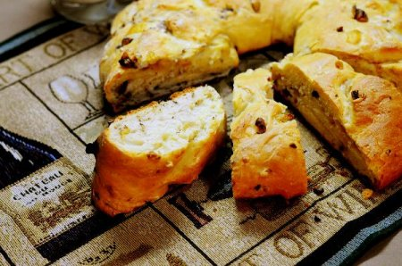 Луково-ореховый хлеб