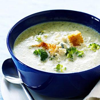 Картофельный суп-пюре с брокколи и беконом