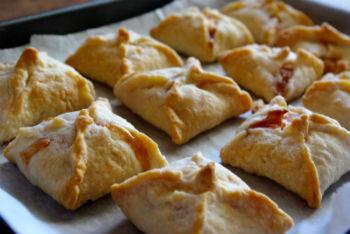 Маленькие пирожки с курицей