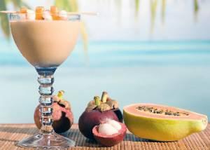 Молочный алкогольный коктейль «Бархатная наковальня» («Velvet Hammer»)
