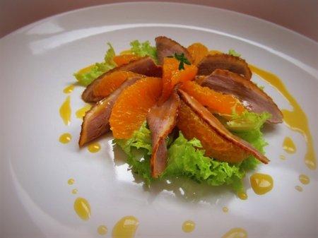 Салат с апельсином и утиной грудкой