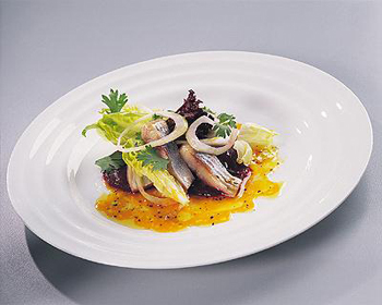 Салат из малосольной сельди со сметаной