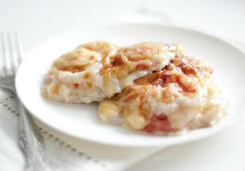 Мясо по-французски с болгарским перцем и помидорами