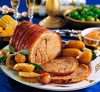 Свинина, запеченная по-праздничному